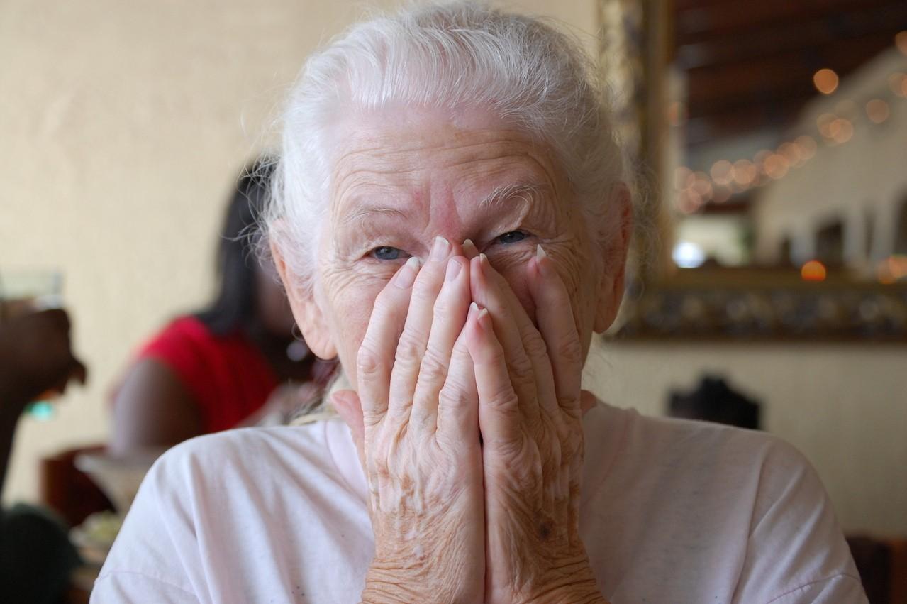 Kiedy starsza osoba potrzebuje opieki?