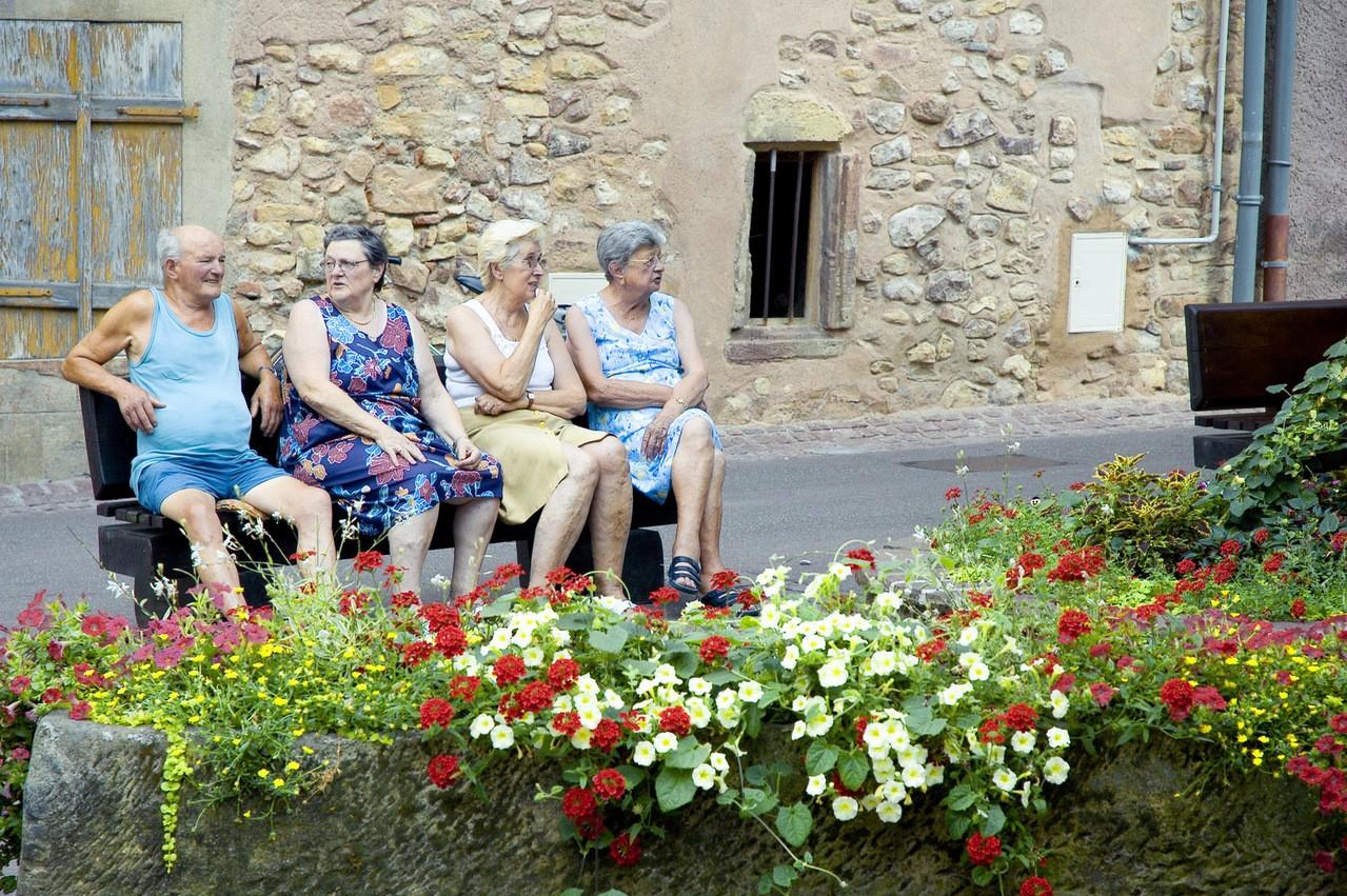 Zalety pobytu w domu spokojnej starości